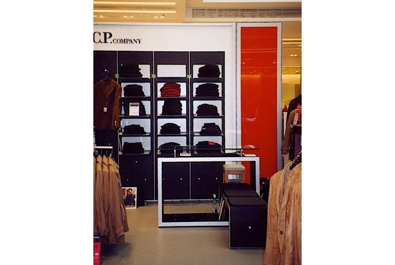 retail-arredamento-per-negozio-vestiti