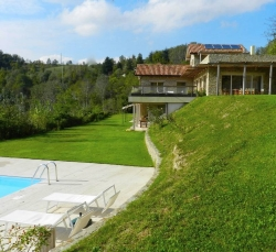 holiday-house-piscina-nel-prato.jpg